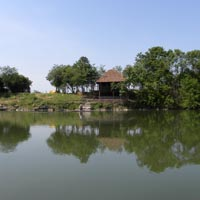 house-on-the-lake
